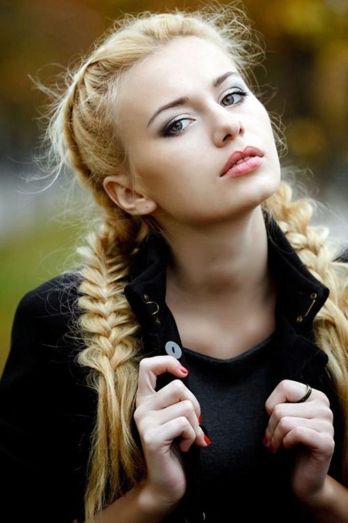 foto-blondinka-s-kosoy