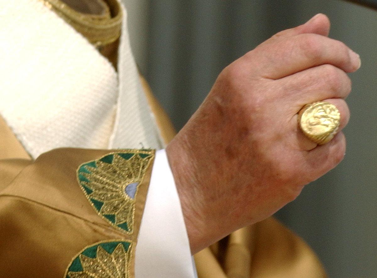 перстень папы римского фото что могу сказать