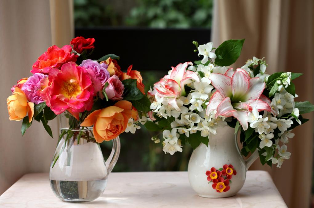 Февраля поздравления, красивые картинки цветов в вазе