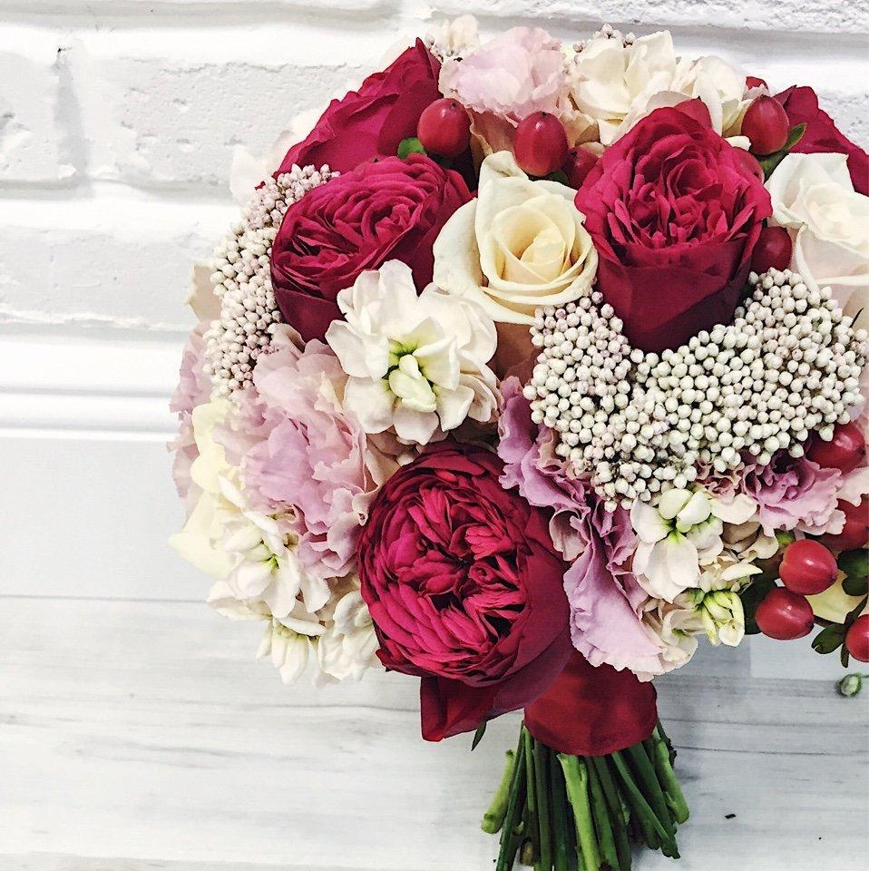 Букеты, подбор цветы в букета значение