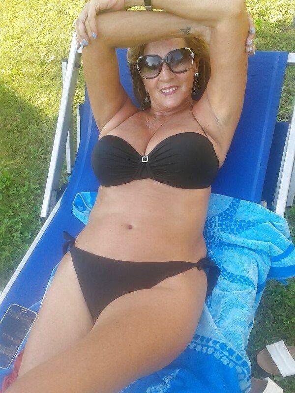 скрывайте частное фото зрелых женщин в купальниках статья
