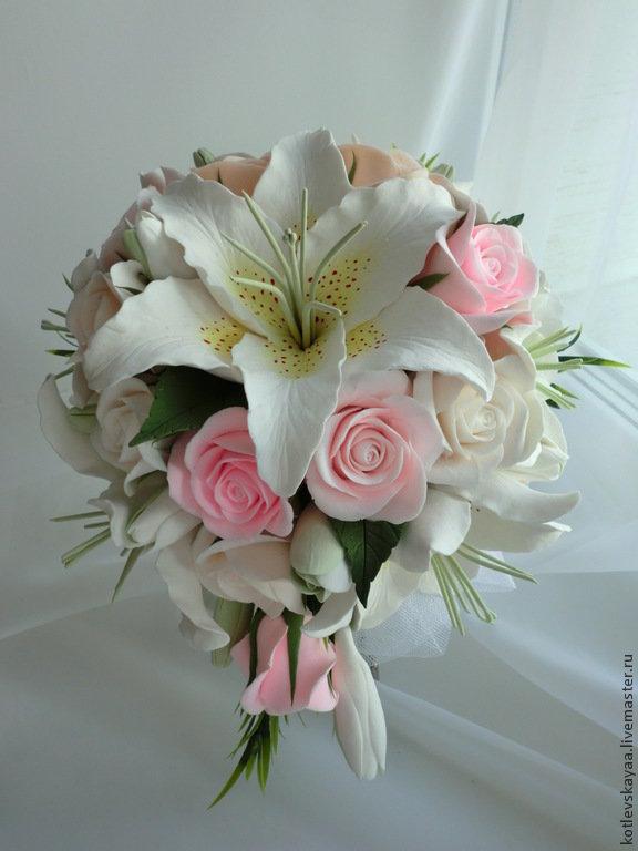 Букет для невесты из роз с лилиями, цветов