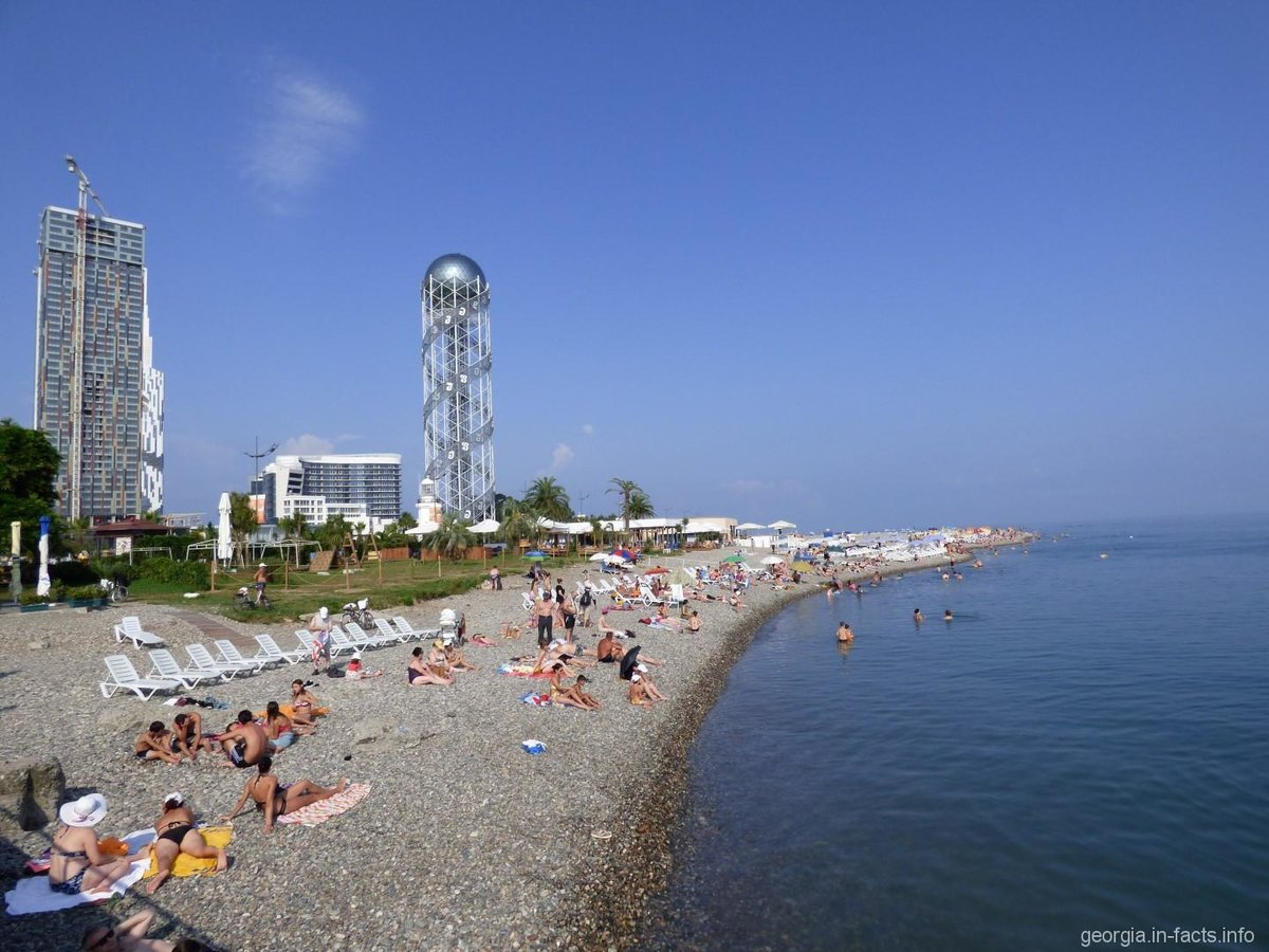 отличают укусы, фото городской пляж батуми это нравится