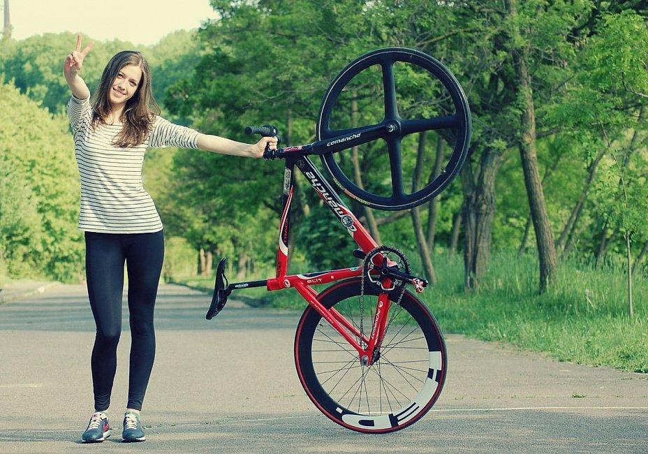 Картинки крутые девушек на велосипеде, днем рождения