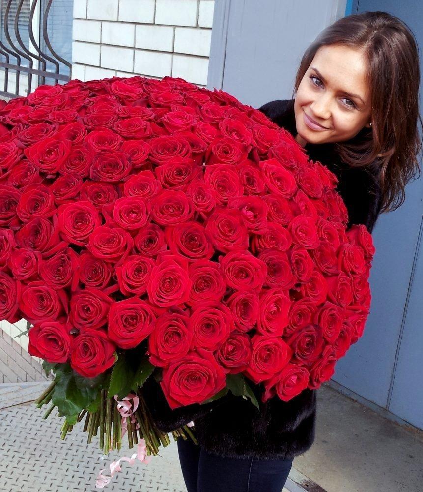 Какие можно купить цветы девушке кроме роз, оформленные букеты хризантем