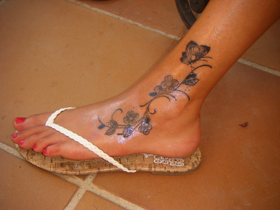 Truly Amazing 3d Butterfly Tattoo On Foot Have Been Not Those Bluish