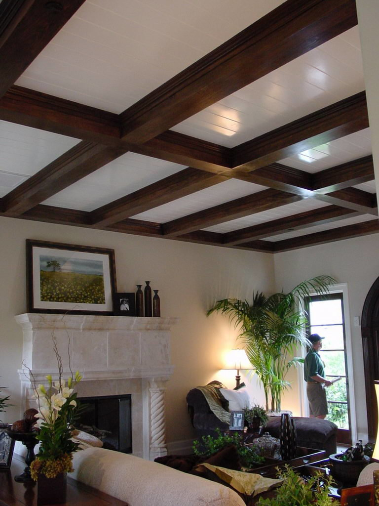 садовом имитация балок на потолке фото дома сип