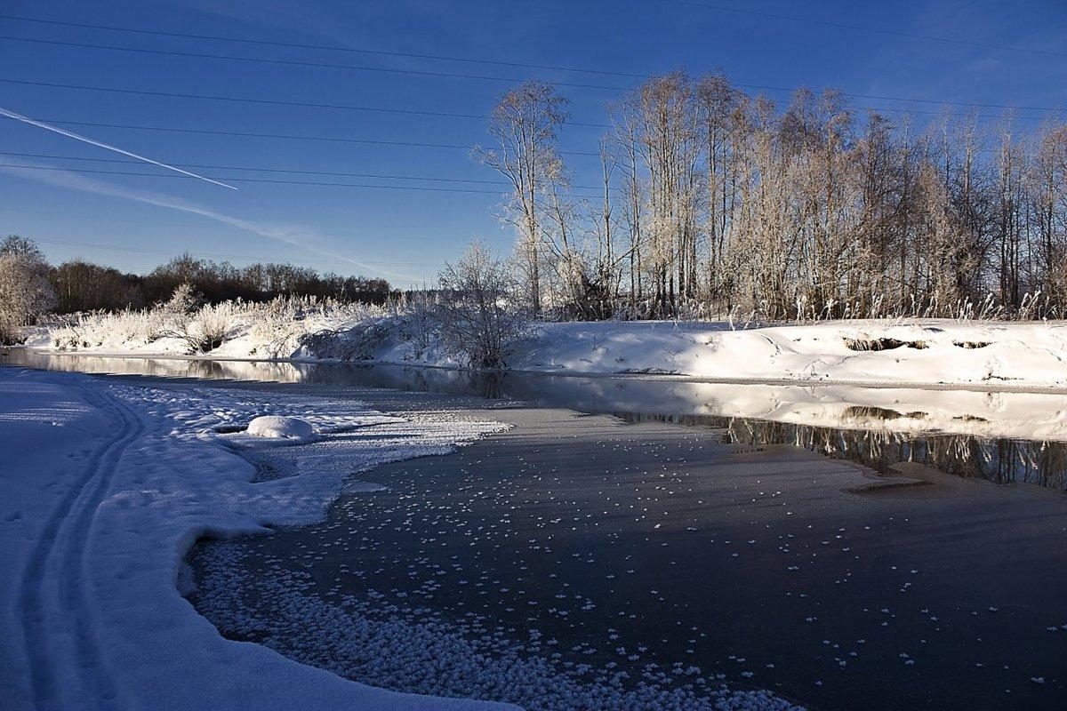 Зимний день на реке вагай фото