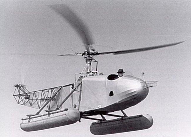 17 апреля 1941 года инженер Игорь Сикорский продемонстрировал первый вертолет-амфибию