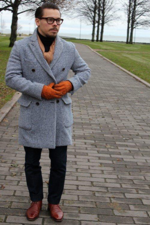 10de72aed85 Шарф – С чем носить серое пальто мужчинам. Как носить шарф с мужским пальто.  Шарф –