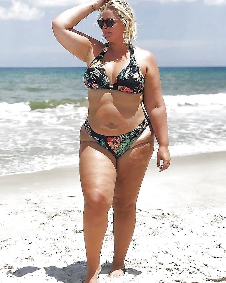 Fat girls bikini pictures
