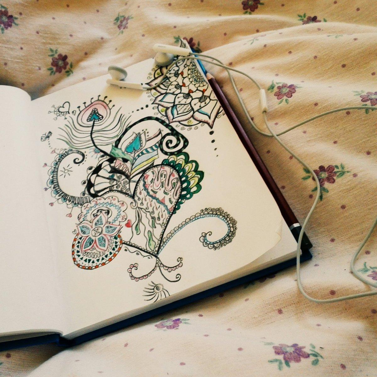 Веселые рисунки в блокноте
