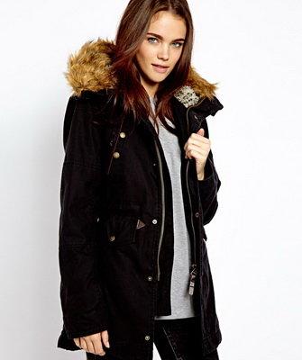 Женские модные зимние куртки с мехом - Меховой портал https   bit.ly 81fdcc11215