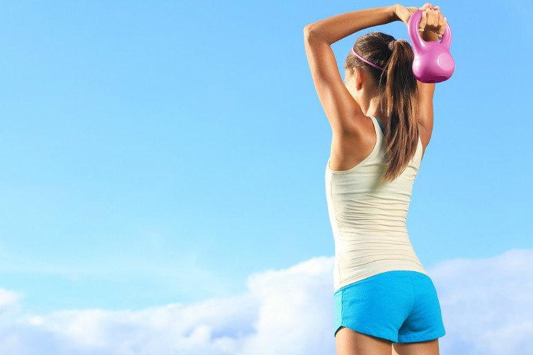 Рекомендуется время от времени делать паузы для выполнения нескольких простых упражнений. Если такой возможности нет, то даже обычное потягивание поможет снять напряжение и разгрузить затёкшую мускулатуру