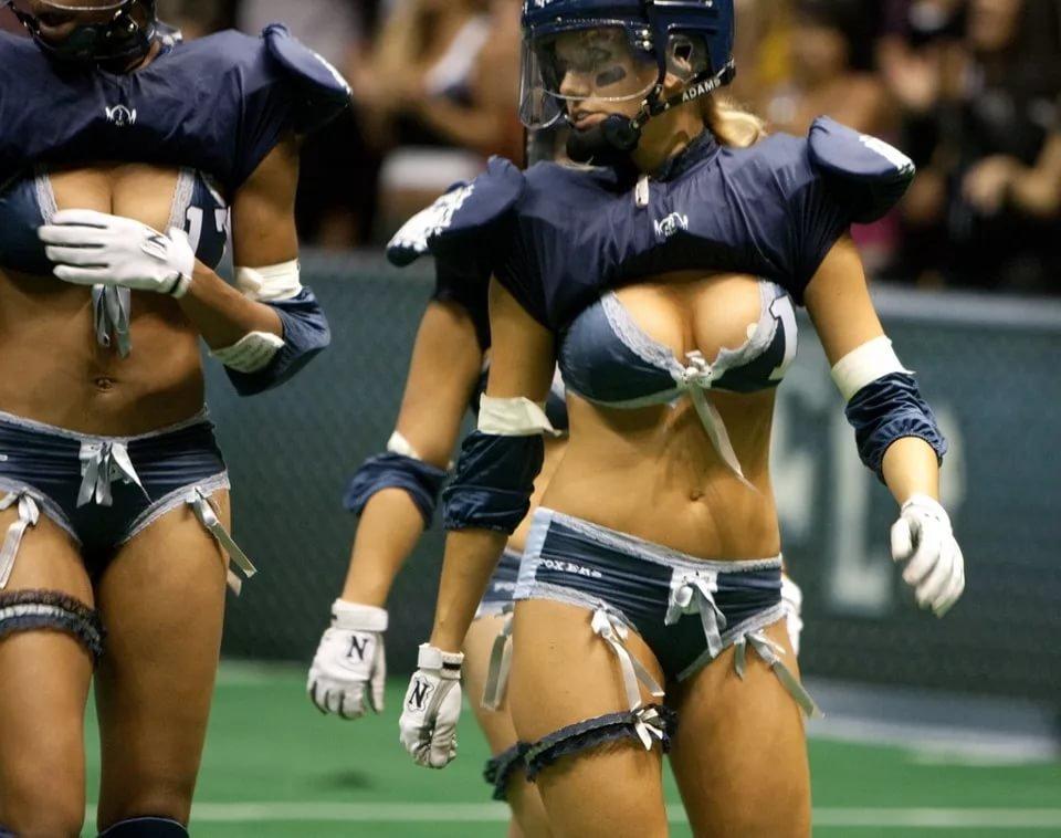 Сексуальный женский американский футбол, порно галлы астерикс и обеликс