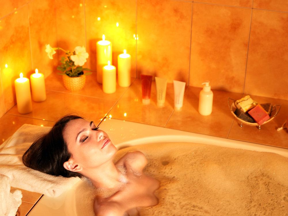 прозвенел картинка женщина принимает ванную демонстрирует