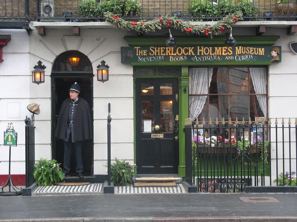 27 марта 1990 года в Лондоне открылся музей Шерлока Холмса