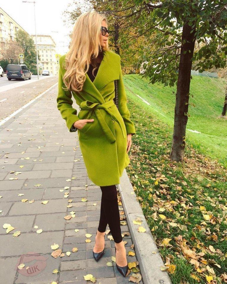 такой праздник с чем носить бледно зеленое пальто фото поставили виниры боковые