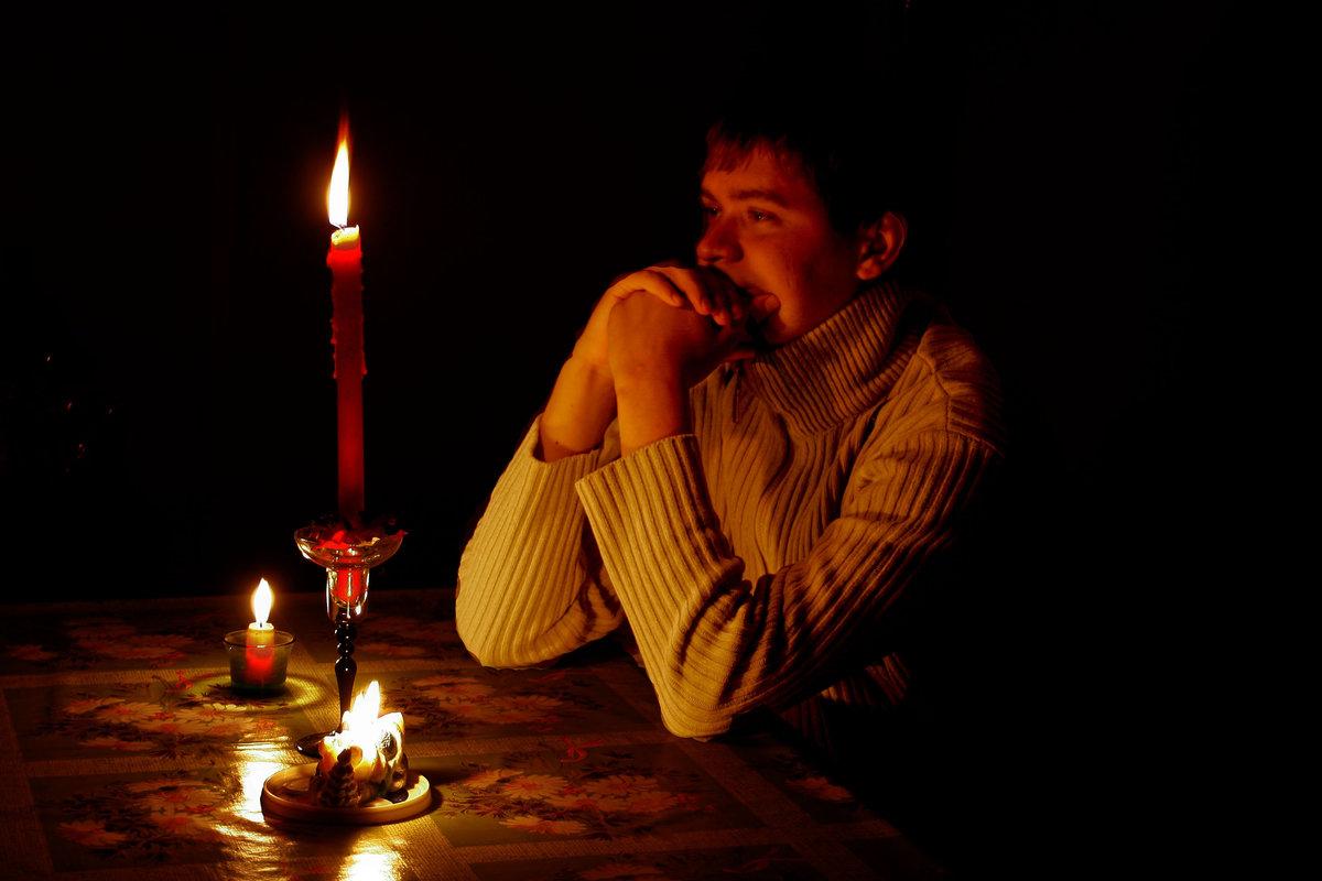 Картинки анимация мужчина зажигает свечи