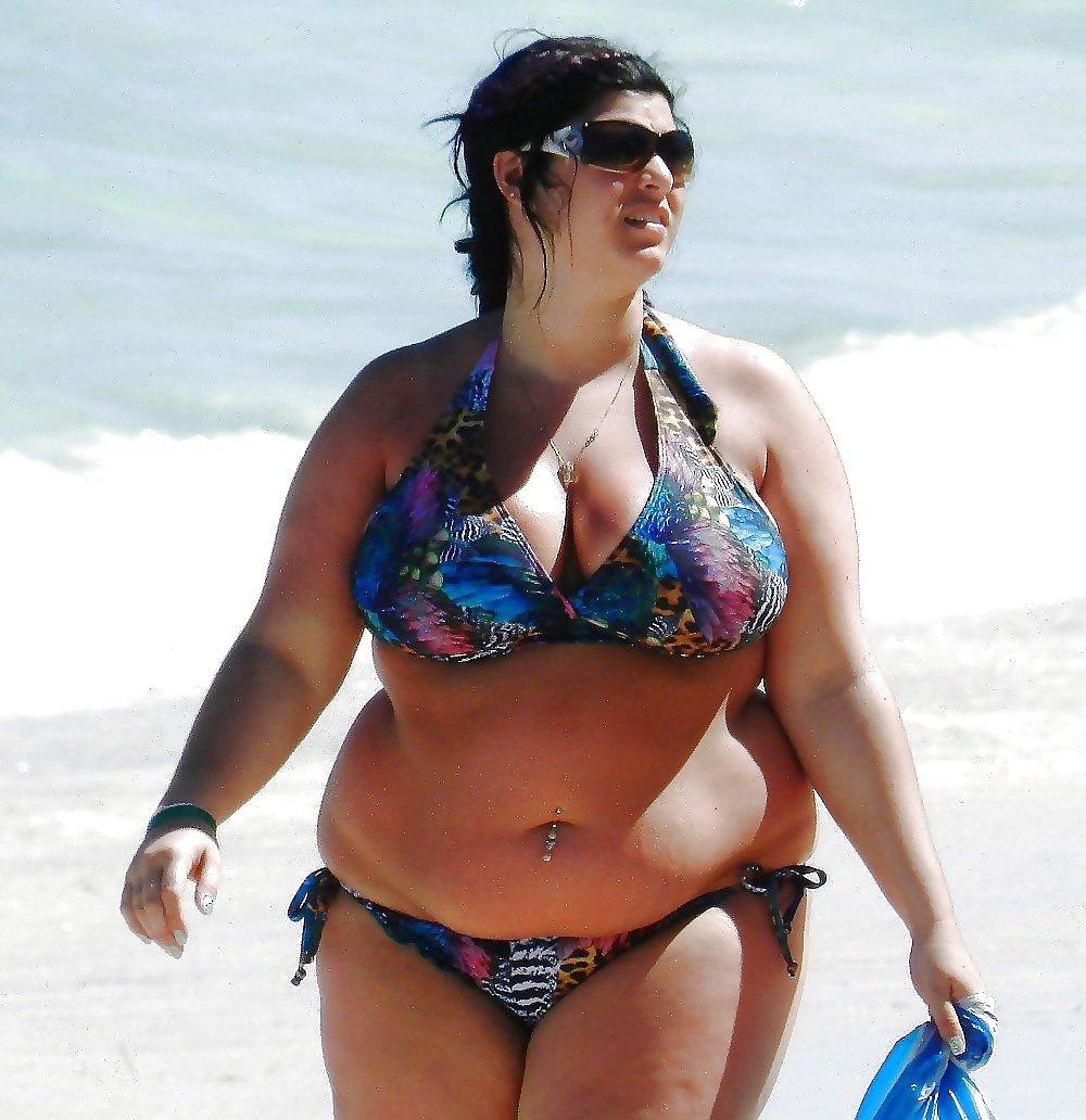 подобные нововведения толстые дамы в бикини чёрная