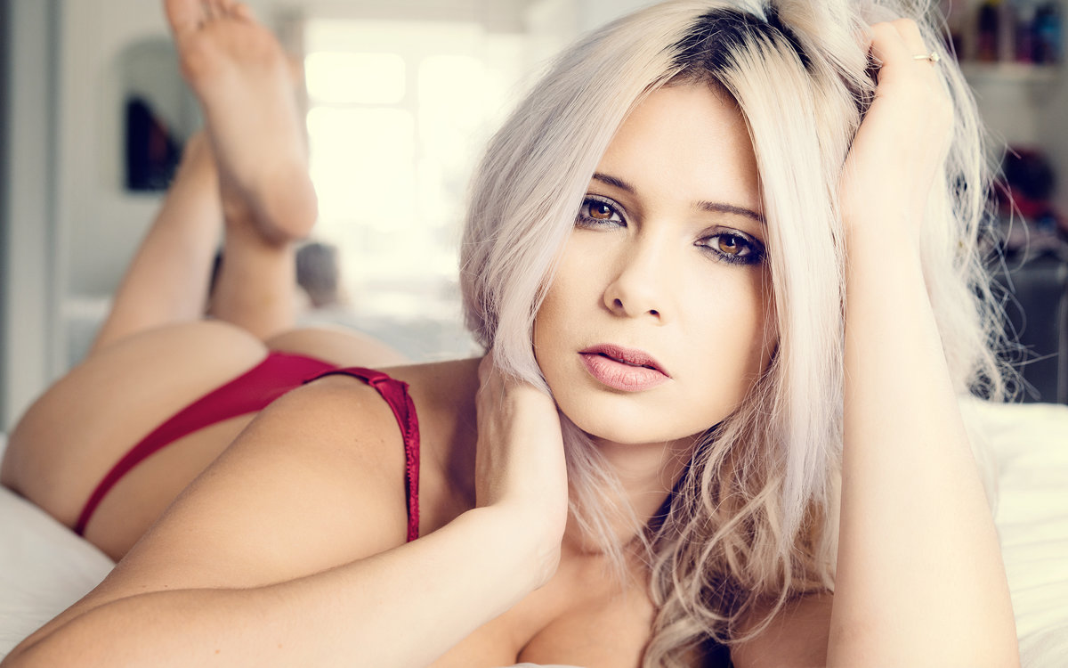 блондинки рабочий онлайн милой рот