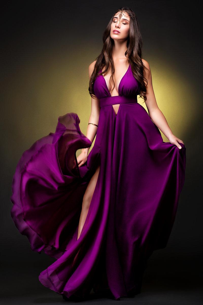Картинки девушек в платьев