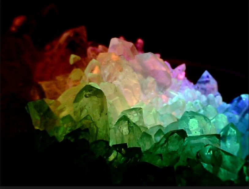 это кристаллы с картинками внутри камин, большая