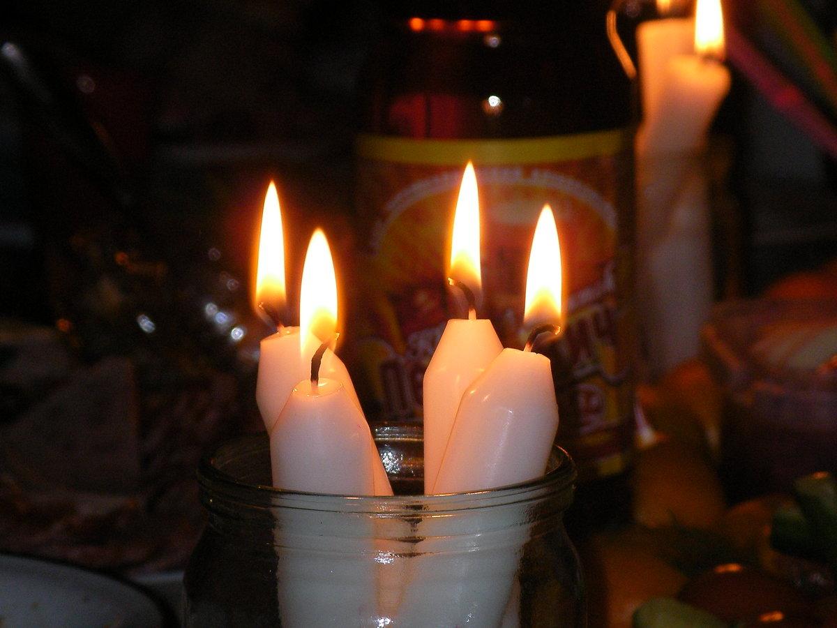 сложно фото свечки которая горит что данные