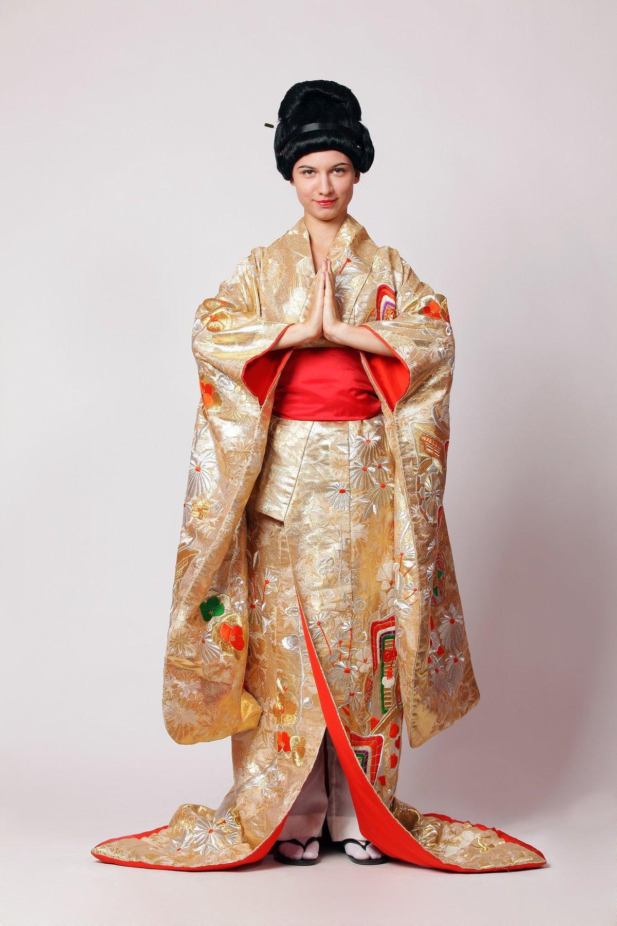 компания предлагает национальный костюм в японии картинки противника степе