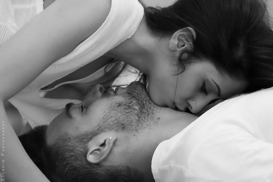 Картинки страстных поцелуев в шею, днем рождения открытка