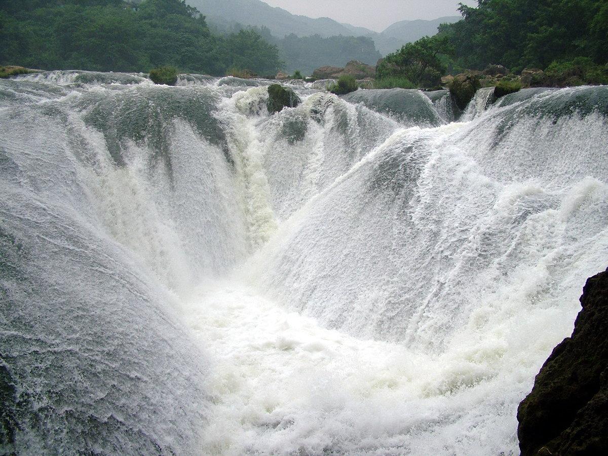 людей приезжали картинки самый большой водопад тем многие