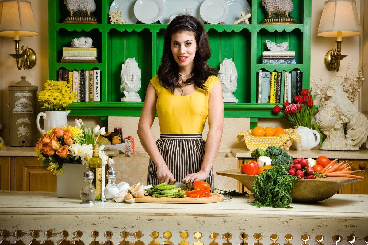 Красивая женщина на кухне картинки — pic 4