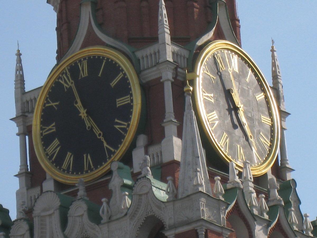 Пр-мира нет уличных часов - сняли даже на сретенском бульваре!