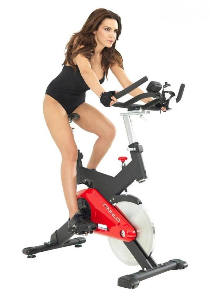 В Похудении Велотренажер. Тренировки на велотренажере для похудения. Система для сжигания жира для начинающих женщин и мужчин