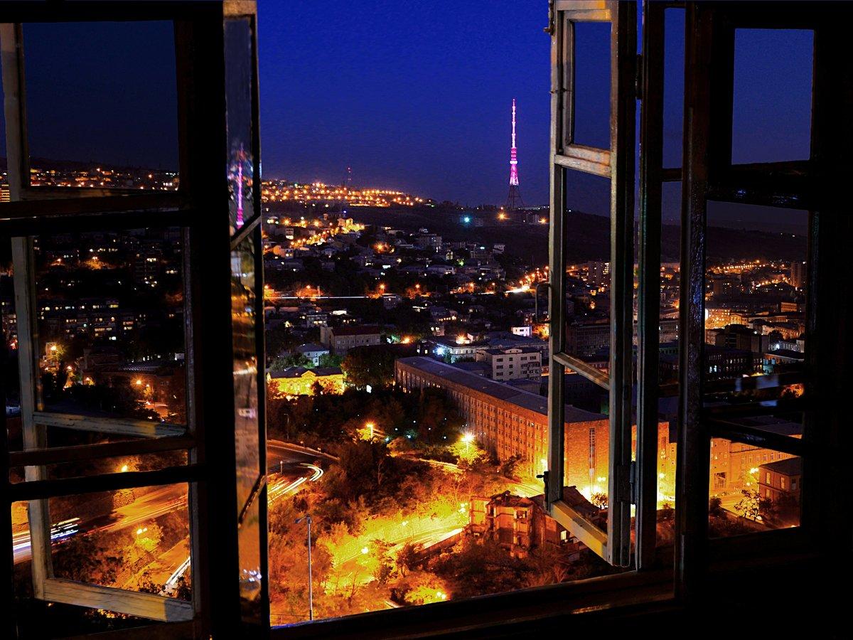 фото ночного города из окна после процедуры