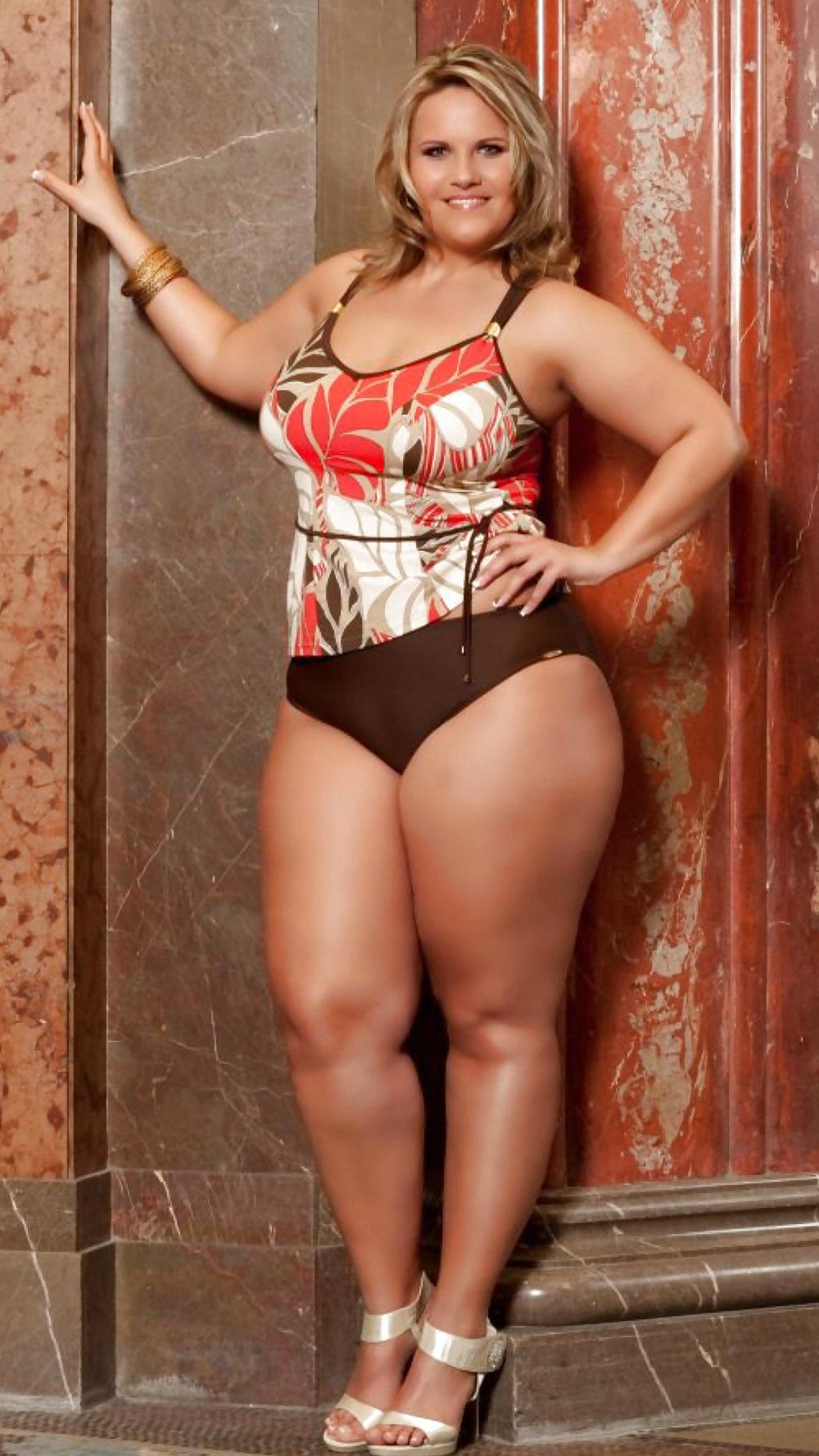 Эротика фото фото толстые ляжки шикарных дам