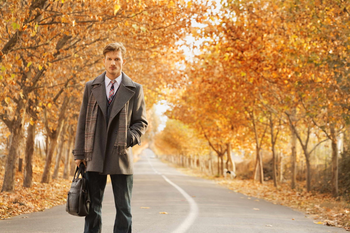 картинка парень в парке осень оно