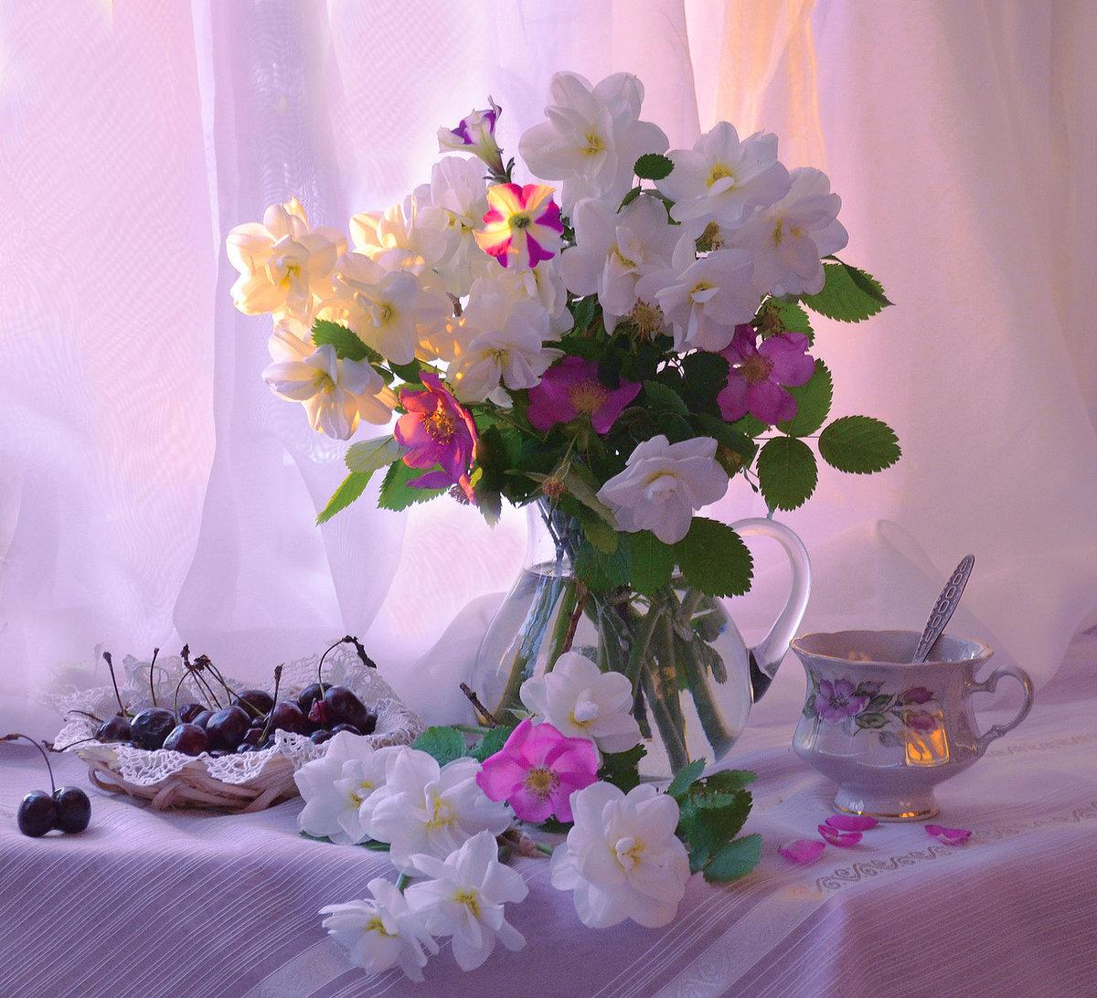 Открытка утренние цветы
