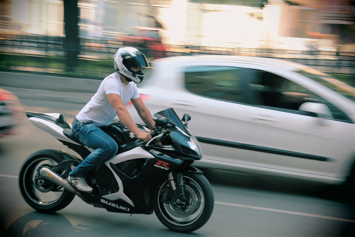 наши картинки скорости мотоциклиста одиночестве