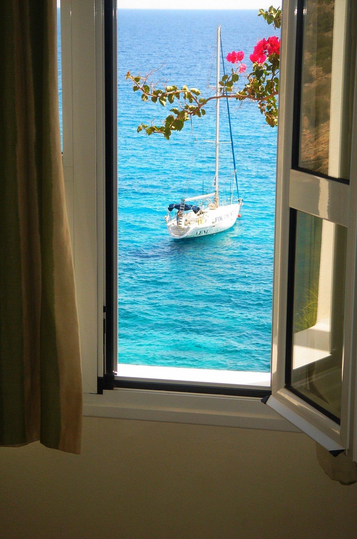 успех рейха открытое окно на море фото также