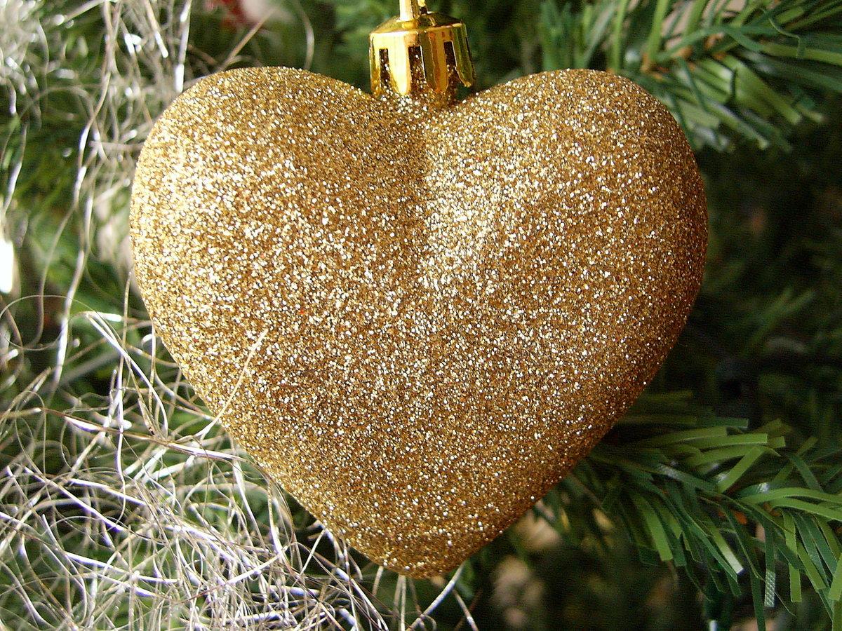 эротический фото золотого сердца для зрителей
