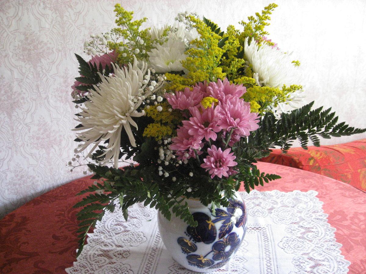 букеты хризантем в вазе фото фотографируют только