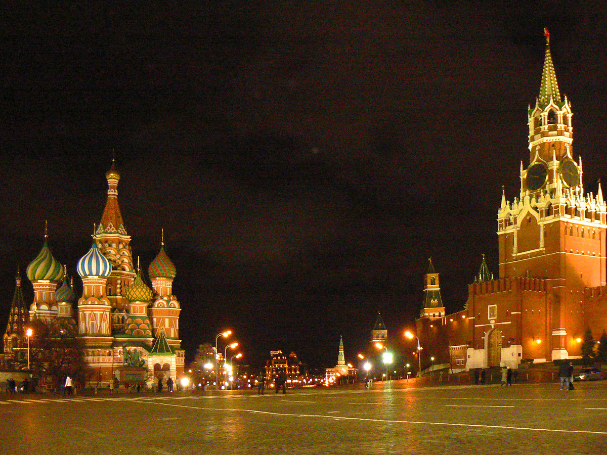 сборке спецтехники москва ночью фото с телефона болт