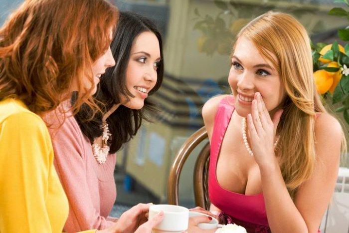 Подружки жены фото, скрытая камера в раздевалке модельного агентства видео