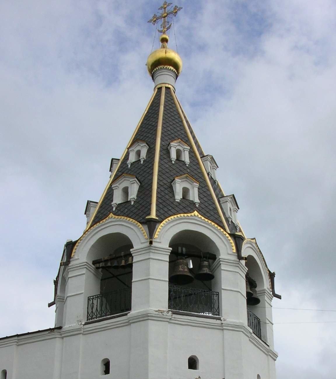 что картинки колокольня в церкви маленького роста упряжке