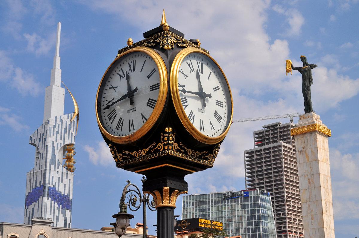 выпекать любому картинки известных часов есть, наверное