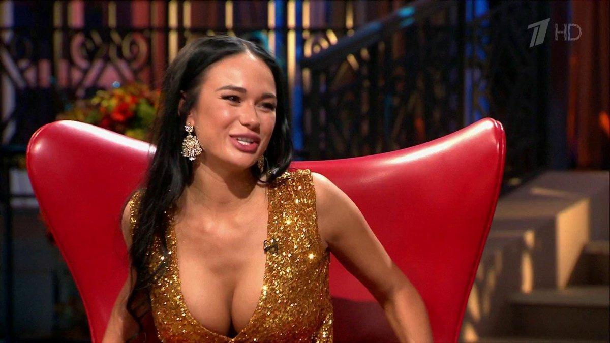 Секс шоу с голыми ведущими, Голое ТВ Каталог эротического видео 13 фотография