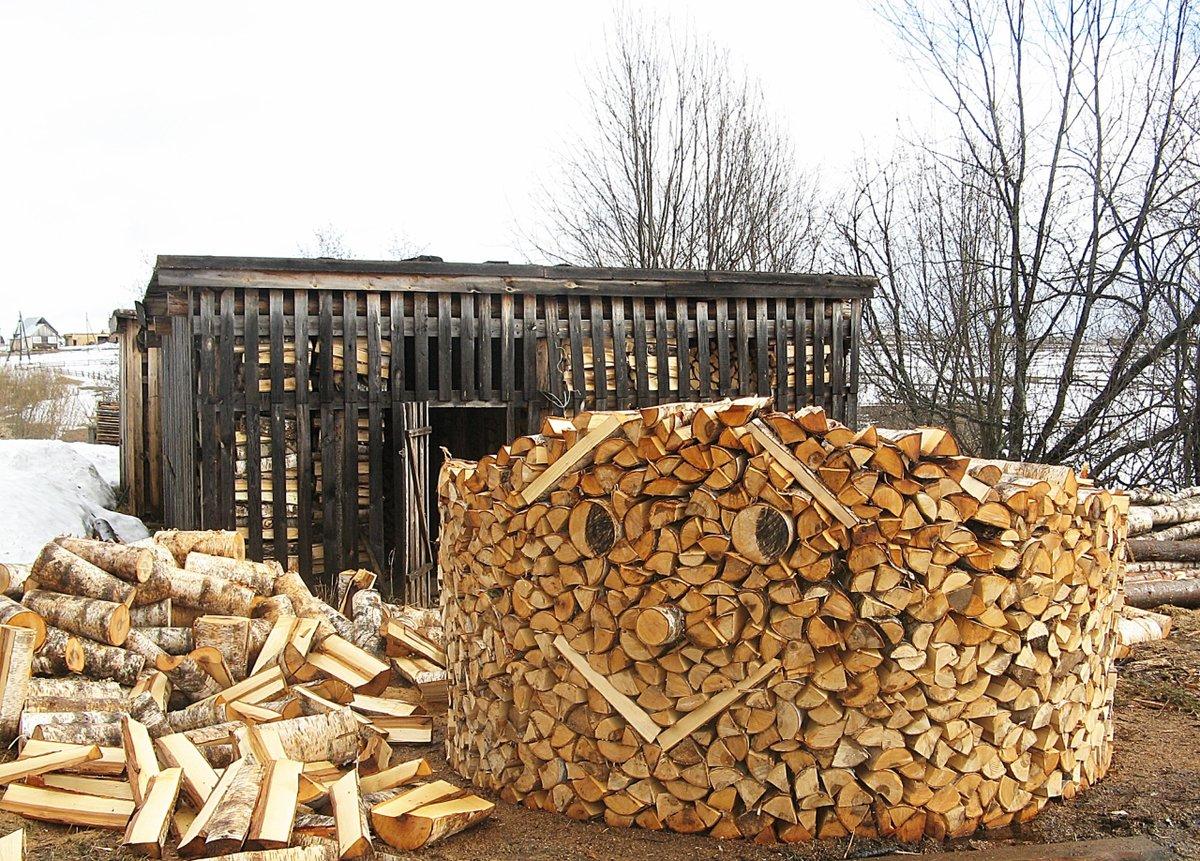 Днем, поздравление в картинке с дровами
