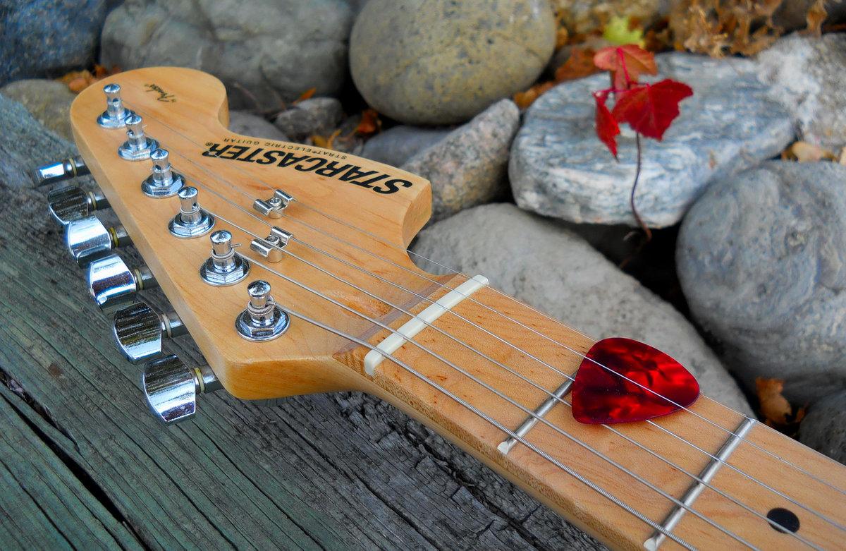установить картинки дождь под гитару нужно