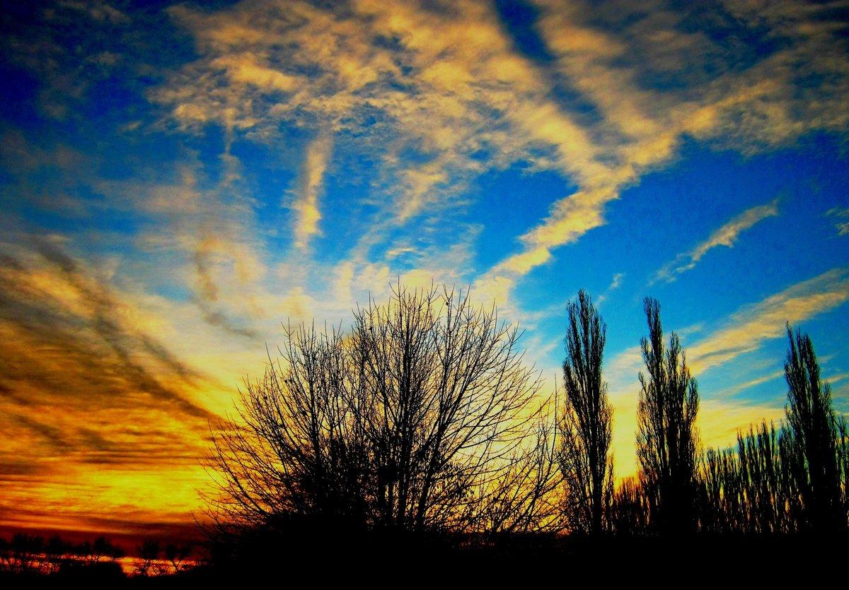 картинки красивое весеннее небо конце июня этого